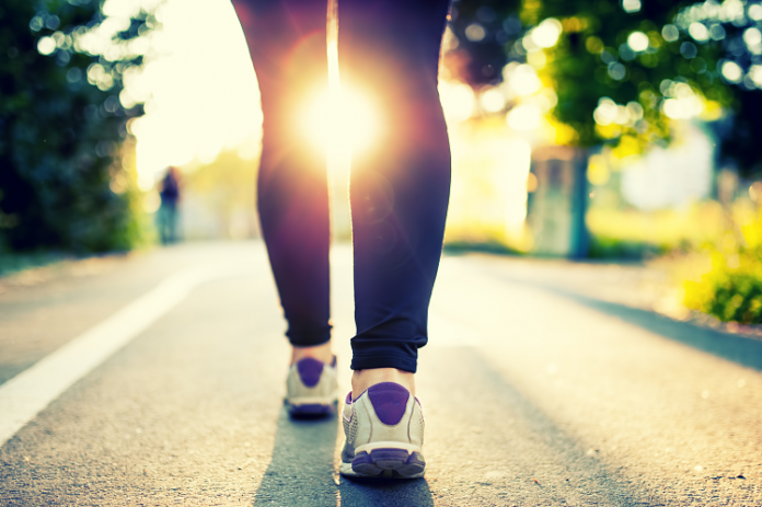Walk Yourself Slimmer - 6 Reasons to Love Walking this Spring
