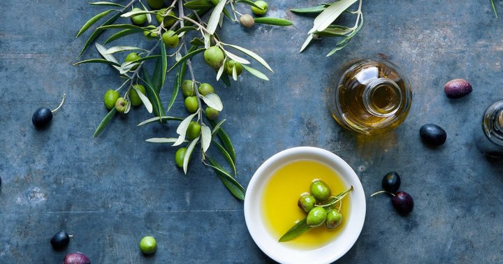 3 Brain-Healthy Cooking Fats To Keep In The Kitchen, From An M.D.