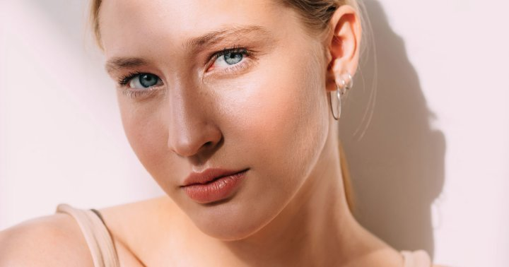 3 Tips To Get Glowing Skin Without Exfoliators