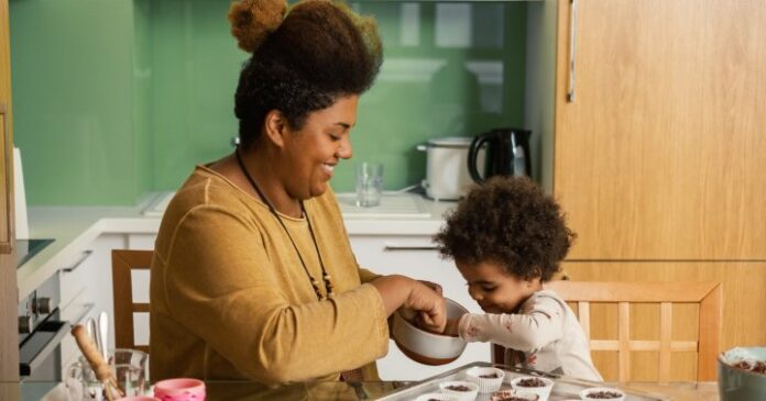 Why Nutritionists Say Restricting Sweets From Kids Can Backfire